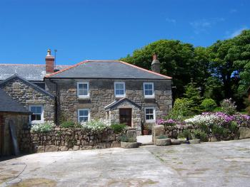 Boskednan Farm - Boskednan is a fine example of an 18th century granite farmhouse.