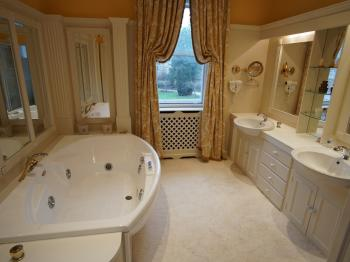 A luxurious bathroom and jacuzzi