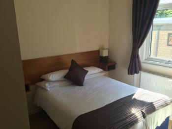 Double room-Ensuite-Small - Base Rate