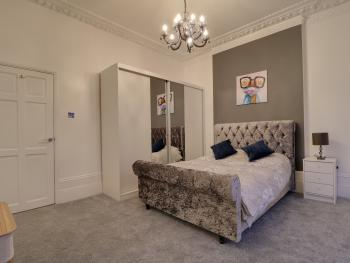 Newly-Refurbed 2-Bed Flat in Blackheath - Master bedroom in the flat