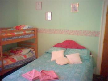 Family-Ensuite-(2 Adults & 2 Children)