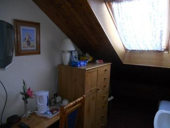 Single room-Shared Bathroom-attic room