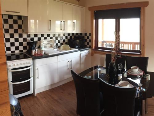 Chalet-Ensuite-Kingfisher Lodge