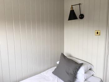 Single room-Shared Bathroom