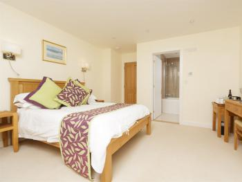 Double room-Ensuite-with Jacuzzi Bath