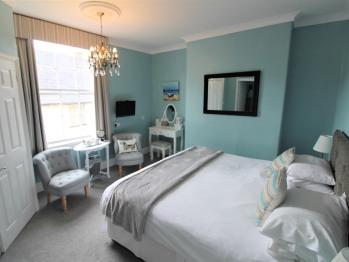 Lareg Double Room