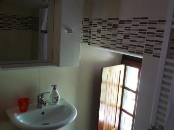 Camera doppia-Economica-Bagno in camera con doccia-Vista giardino