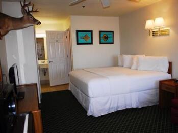 Triple room-Ensuite-Standard-Hotel room 201 - deluxe k - Triple room-Ensuite-Standard-Hotel room 201 - deluxe k