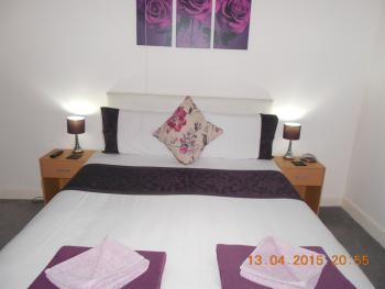 Double room-Standard-Shared Bathroom-Room 5