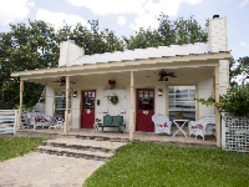 Hill Country Hideaway & Poets Cottage