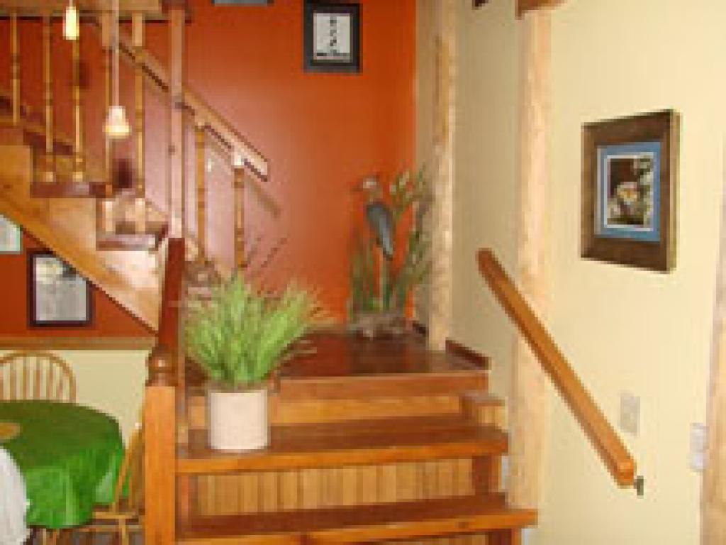 Log Cabin-Private Bathroom-Queen-Mountain View-Rock-n-Creek Cabin
