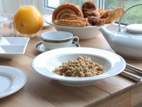 Breakfast - Continental (Full Cornish Traditional Breakfast also available!)