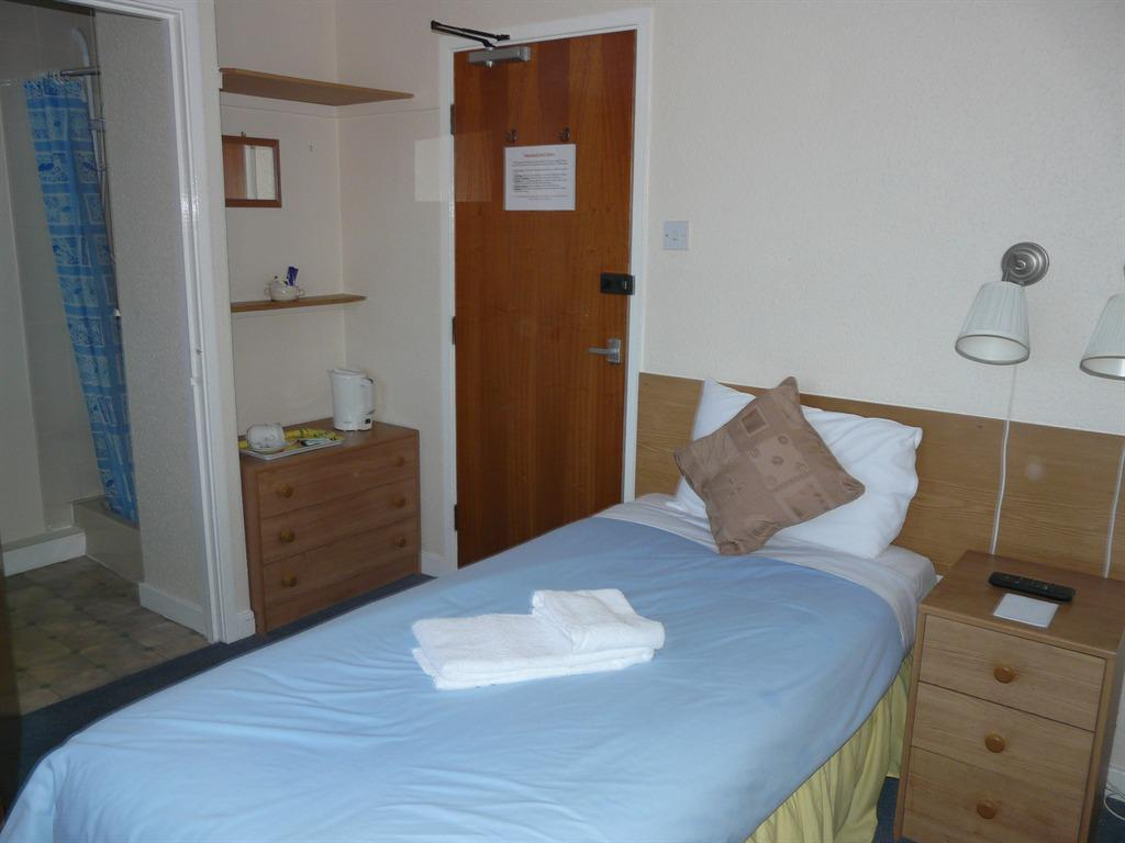 Single room-Ensuite with Bath-.