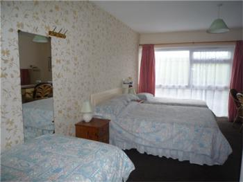 Family room-Ensuite-2 Adults & 2 Children B&B