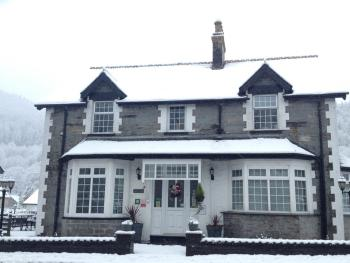 Oakfield House in the snow