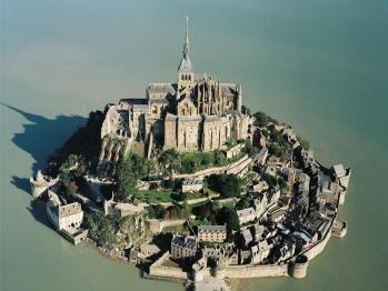 Mont Saint-Michel à 45 mn.