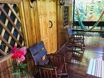 Colibri porch