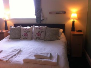 Double room-Superior-Ensuite-Sea View-(Rm6)