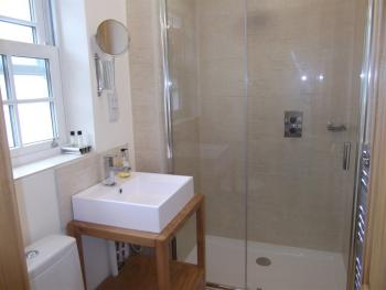 Twin room-Cottage-Ensuite- Courtyard Upstairs - Base Rate