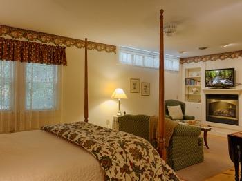 Room 10 - Premier-Triple room-Ensuite-Superior