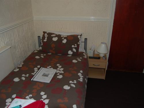 Single En-suite Room  No  12
