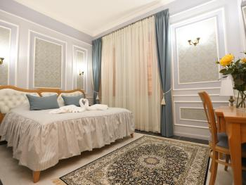 Suite-Ensuite-Deluxe Suite - Base Rate