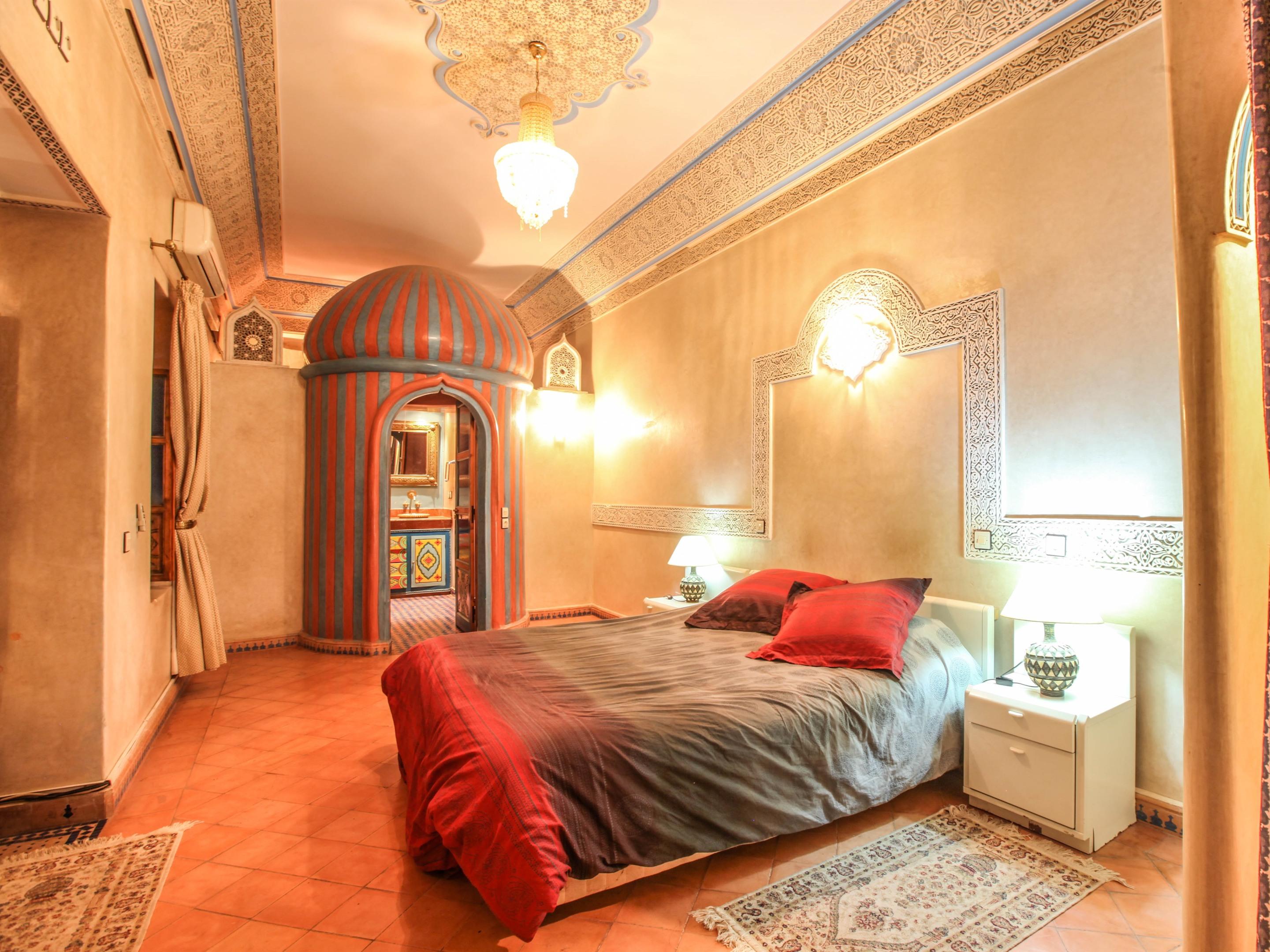 Suite Royale-Appartement-de Luxe-Salle de bain et douche-Vue sur Piscine - Tarif de base