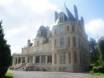 Château côté entrée principale