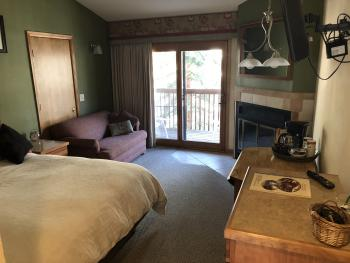 Triple room-Private Bathroom-River view-Standard Room.