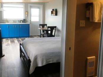 Room 6 - Toulinguet Inn