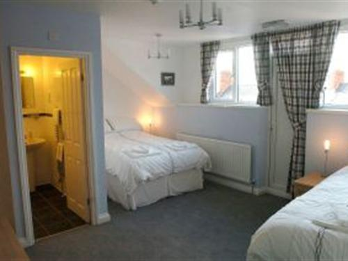 Family room-Superior-Ensuite-(2 Adults 1 Child)