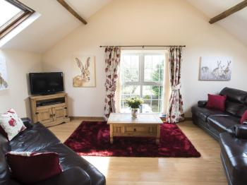 Gatherley View 2 Bedroom-Cottage-Ensuite with Shower