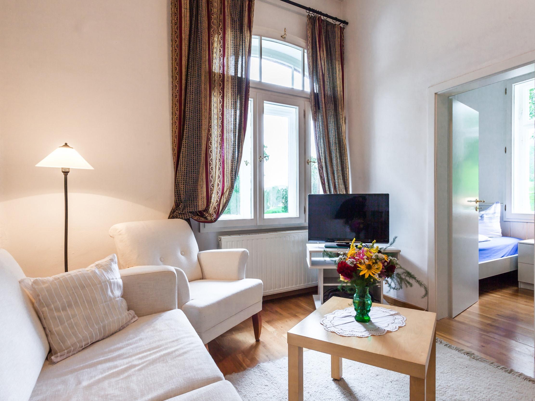 Apartment-Ensuite Dusche-App. 1 - EG - Standardpreis
