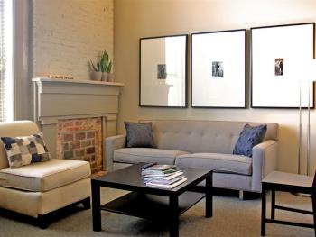 Living Room - Deluxe Queen Suite (Upstairs)