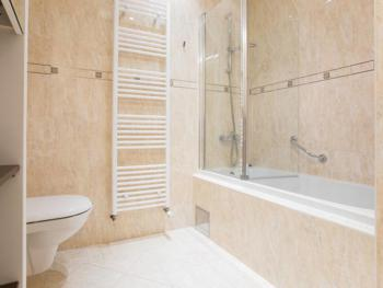 All of our suites have baths with a shower