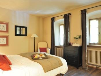 Matrimoniale-Superiore-Bagno in camera con doccia-Vista giardino