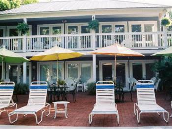 Poolside 107-Double room-Ensuite-Standard