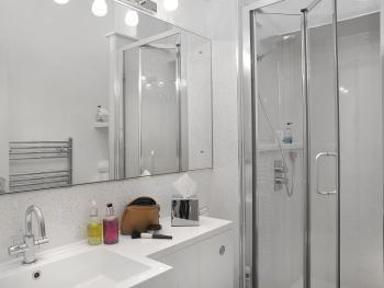 New sparkly shower room