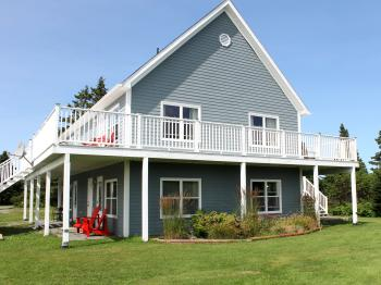 Seawind Landing Country Inn - Land's End building with 8 guest rooms