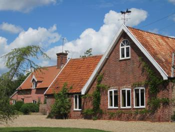 Self-catering Colston Cottage, Wheelwrights & Carpenters
