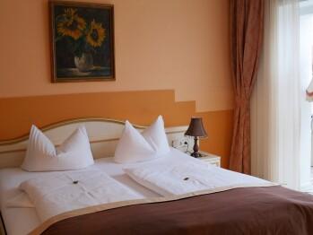 Doppelzimmer mit Wintergarten - eigenes Badezimmer