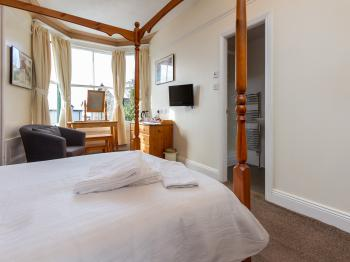 Double room-Ensuite-Large Four Poster - Base Rate