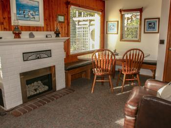 Cottage-Private Bathroom-Deluxe-Ocean View-#8 Beachcomber - Base Rate