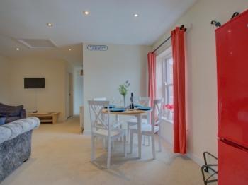 Apartment-Premium-Private Bathroom-Mycroft