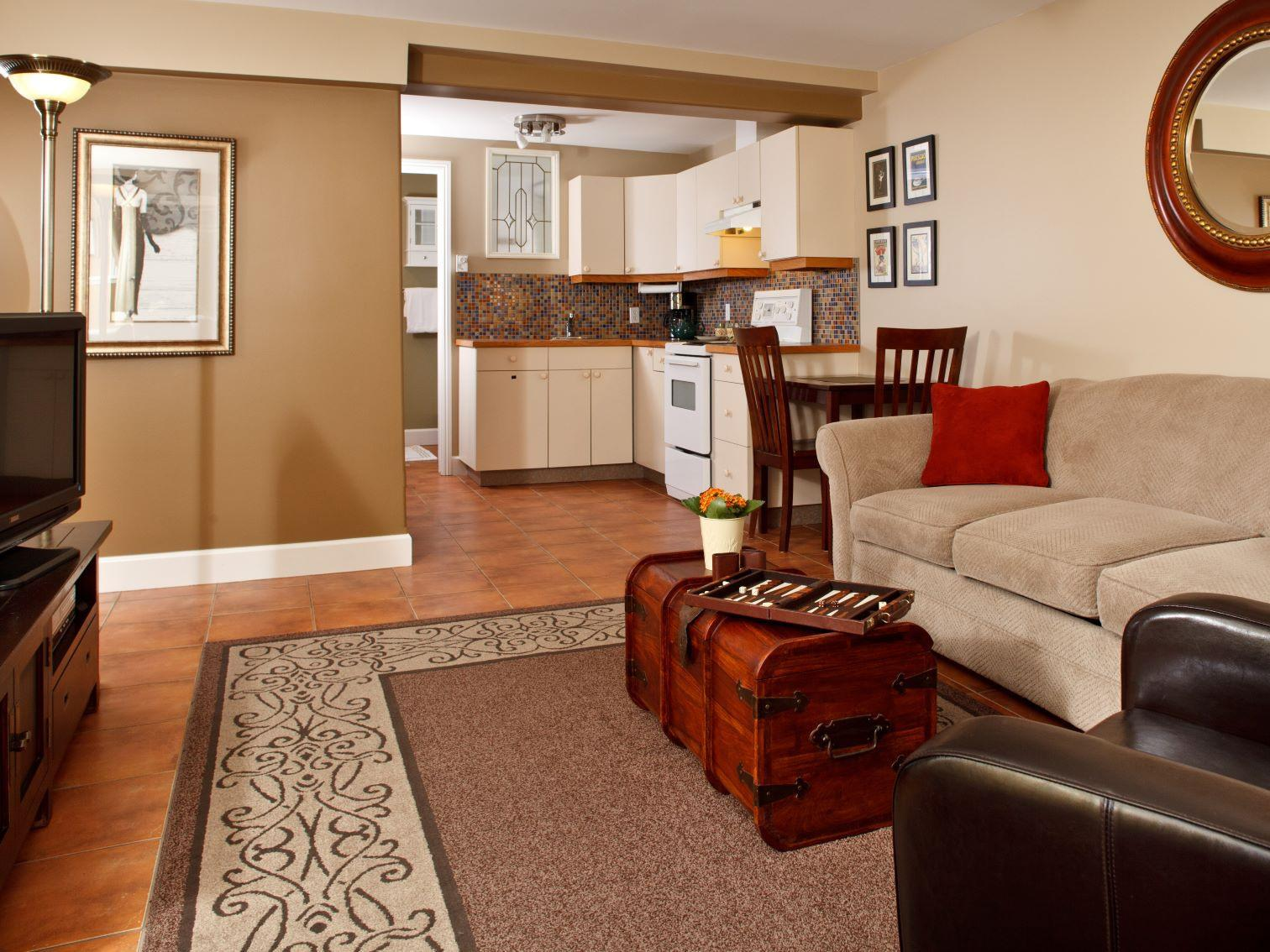 Quad room-Ensuite-Standard-King Garden Suite.