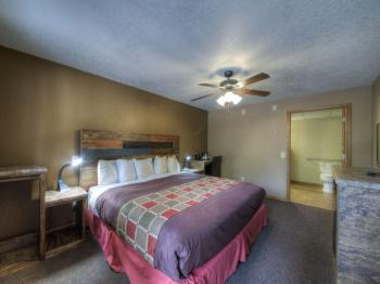 ADA King Motel Room-Single room-Private Bathroom-Standard
