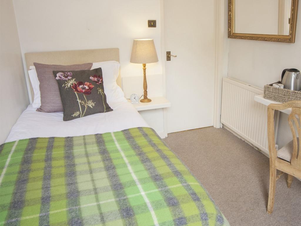 Room 6 - Single En-suite