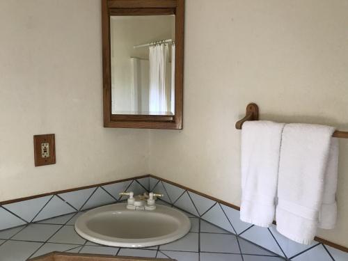 Pisces - Bathroom