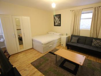 SNET Hospitality Somers Town -