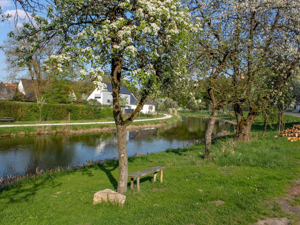Der alte Main-Donau-Kanal im Frühjahr